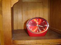 Reloj de cuerda rojo