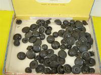 50 botones militares  en baquelitas