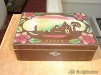 Caja antigua de madera