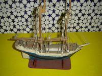 Barco madera antiguo